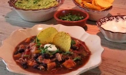 Slowcooker recept: chili met zoete aardappel en kip