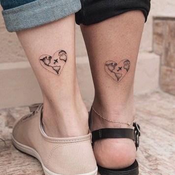 Reis tatoeages met hartjes