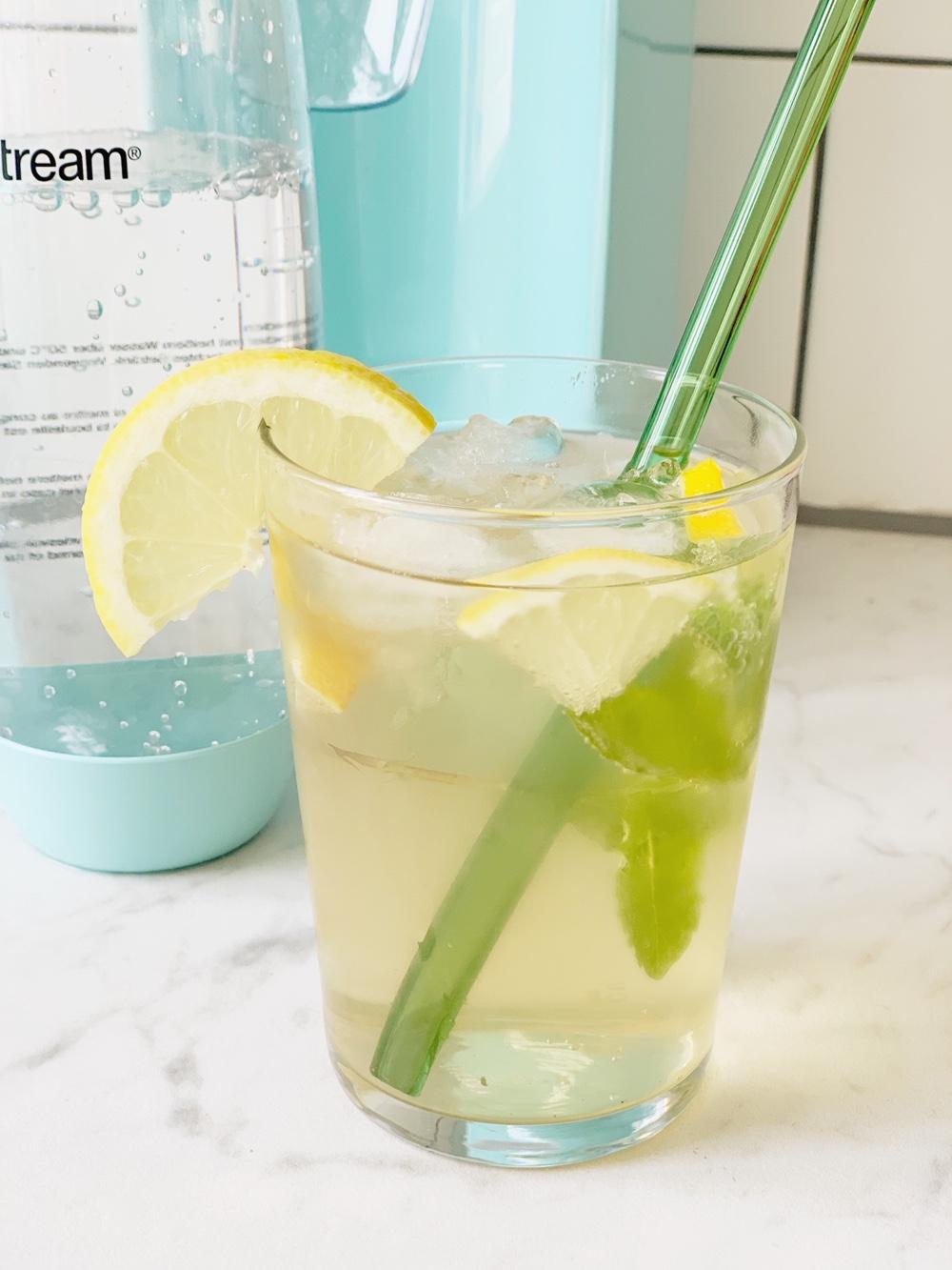 Recept voor gezonde ijsthee met gember en citroen