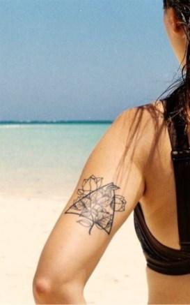 driehoek tatoeage