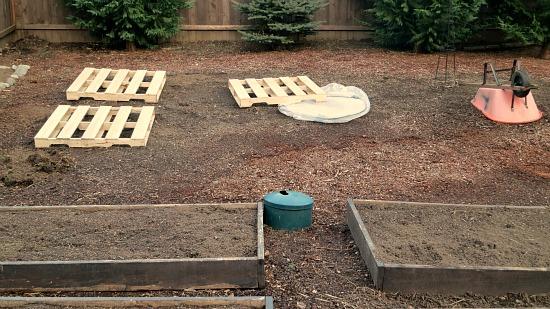 como fazer um jardim de paletes