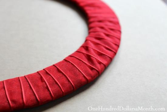 DIY Paper Straw Wreath tutorial