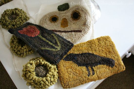 rug hooking primitive hooked rugs