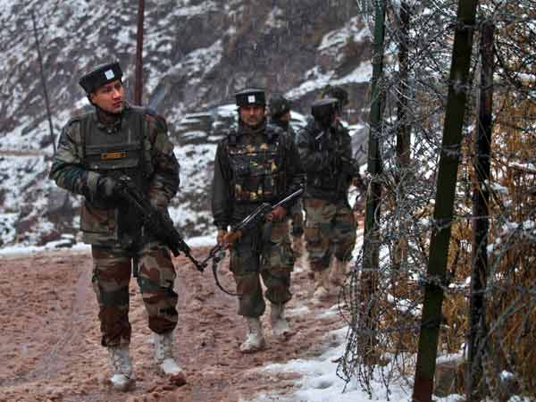 पाक से कहीं ज्यादा मजबूत है भारतीय सेना, जानें दोनों देशों की सैन्य ताकत