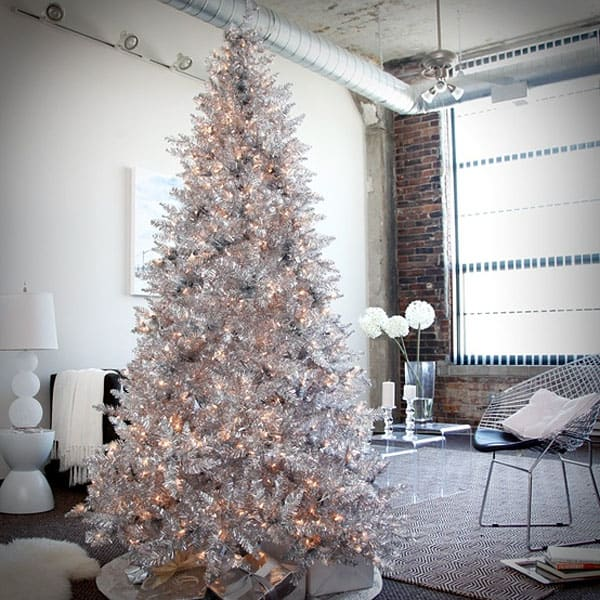Modern Christmas Decorated Living Rooms-19-1 Kindesign
