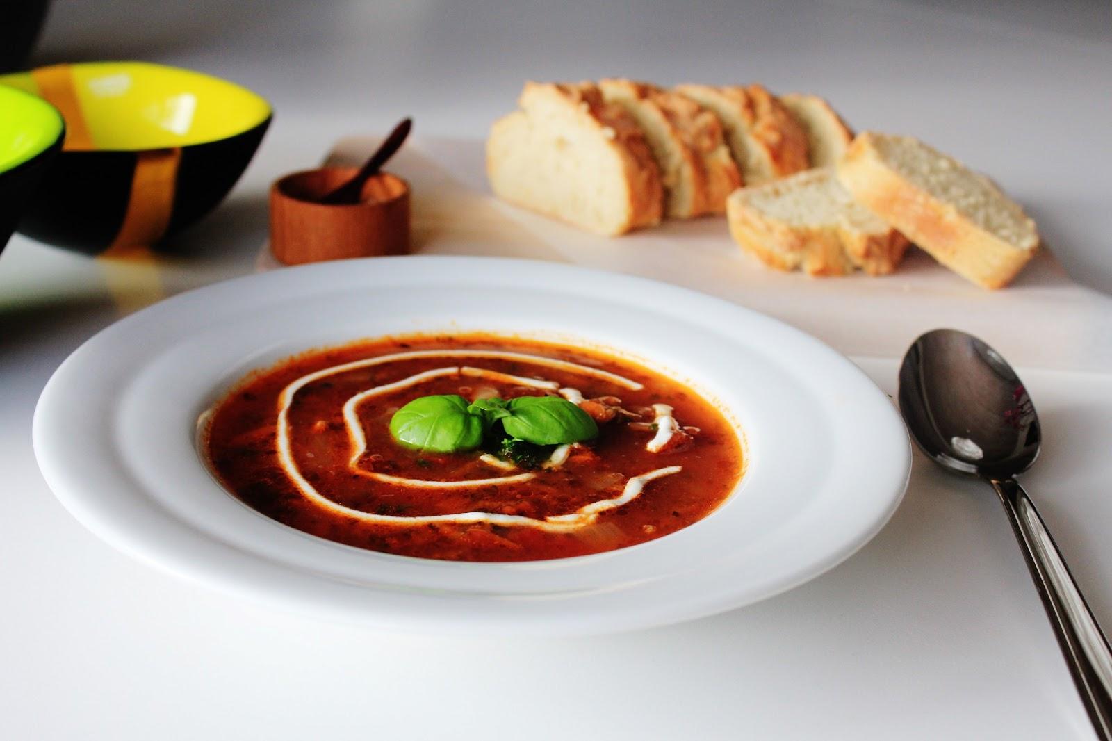Tomatsuppe Med Oksekød – Hjemmelavet Suppe Med Oksekød