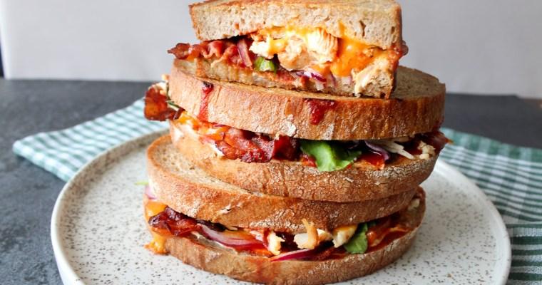 Grilled Cheese Med Kylling, Bacon, BBQ Og Andet Lækkert!