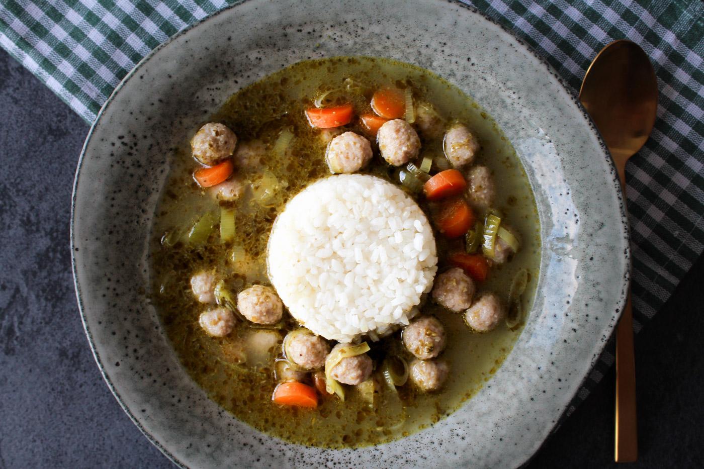 Pestosuppe Med Ris Og Kødboller