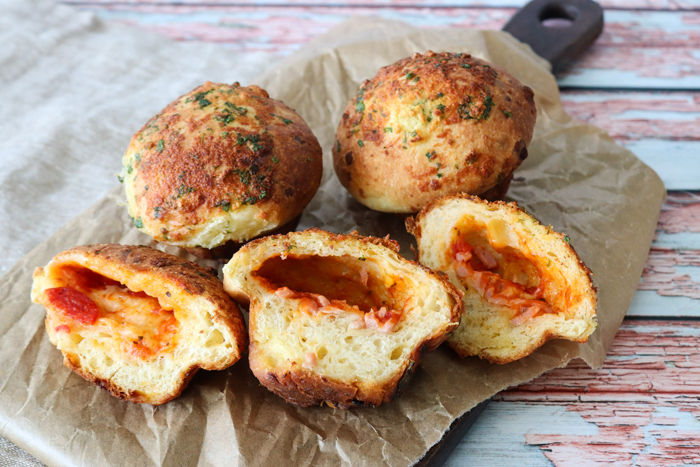 Hvidløgsbrød Inspireret Pizza Muffins