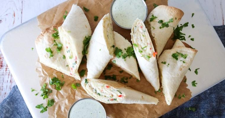 Sprøde Hvidløgsbrødsruller – Tortillas Med Fyld Og Lækker Dressing