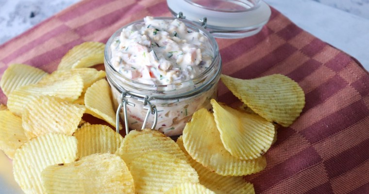 Loaded Dip Med Bacon, Ost Og Purløg – God Til Chips