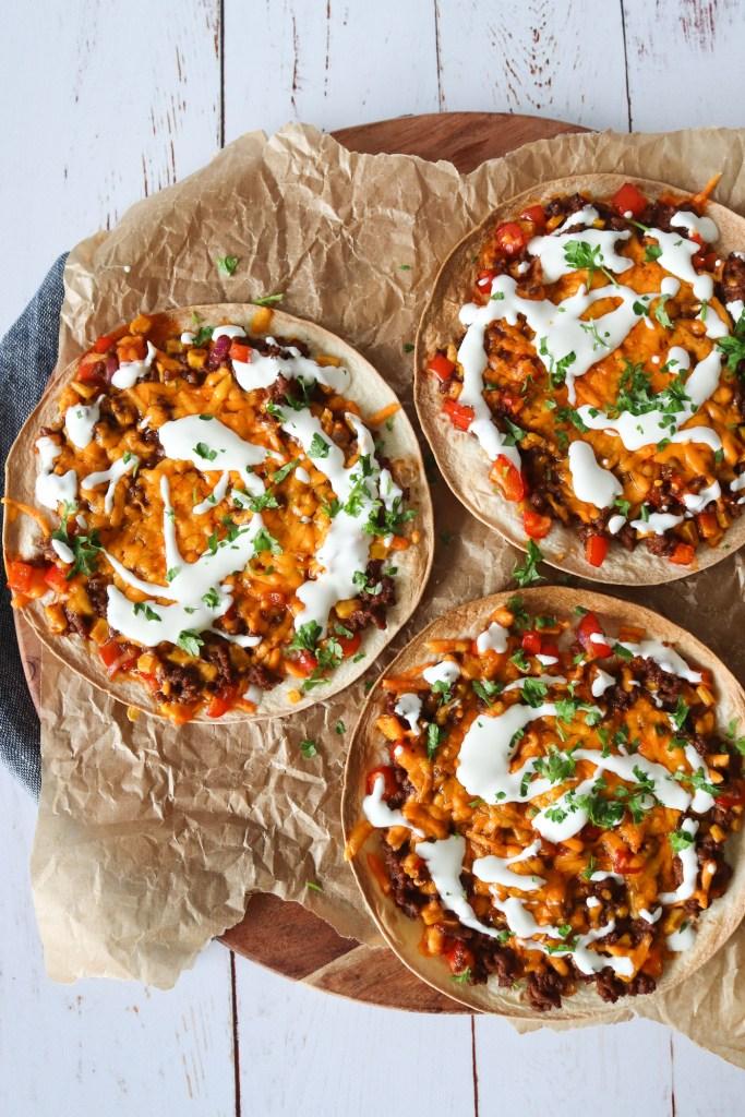 Tortilla Pizzaer Med Taco BBQ Oksekød Og Ost