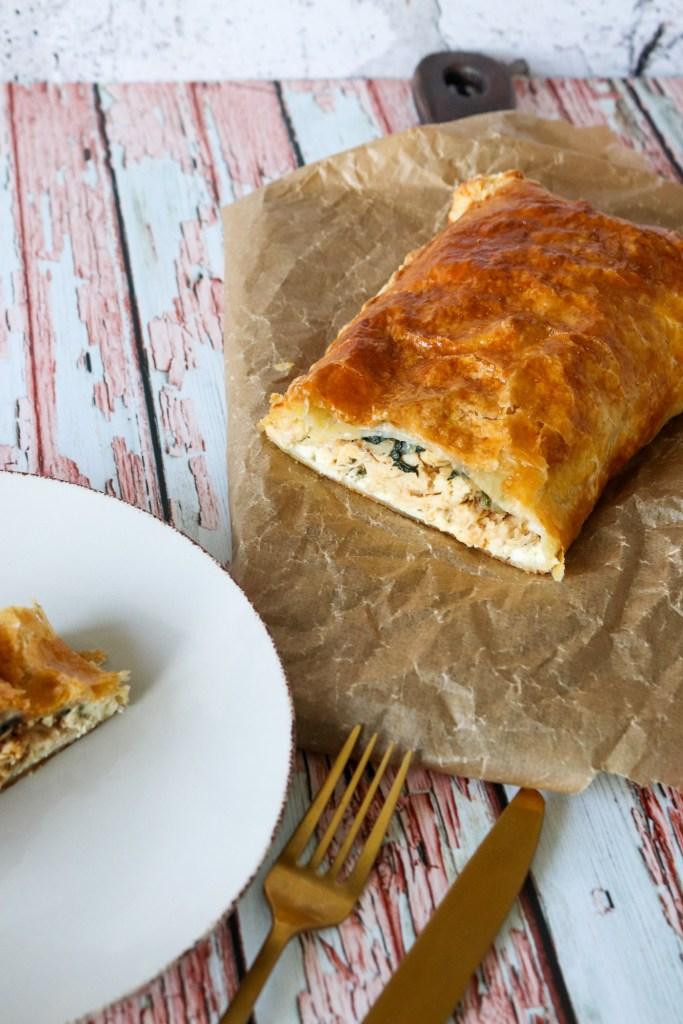 Butterdejsstang Med Kylling, Pikantost Og Spinat