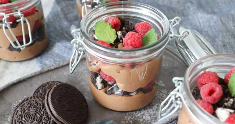 Baileys Chokolade Cheesecake Desserter I Glas Med Hindbær Og Oreo