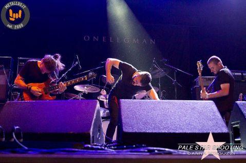 001-onelegman-band-metallus
