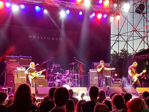 005-onelegman-band-live-wolfmother-campo-volo