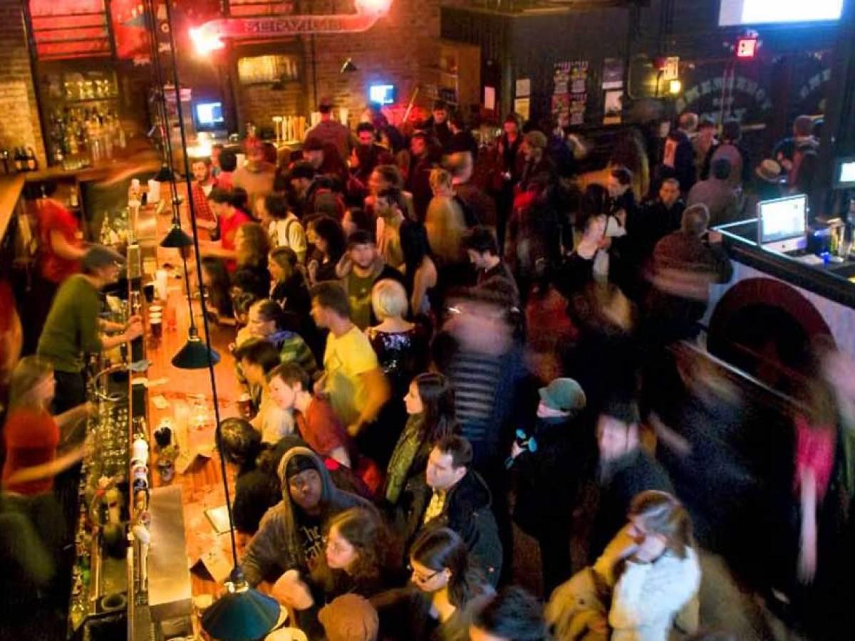 Cosa Organizzare In Un Bar come attirare clienti in un bar: 7 suggerimenti per svoltare