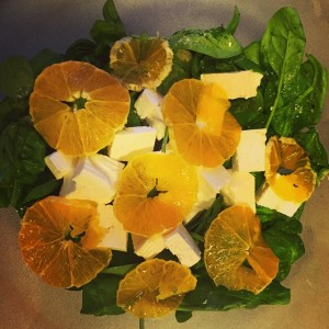 Insalata spinaci arancia quartirolo