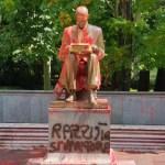 La statua di Montanelli e le immedesimazioni funeree nel passato