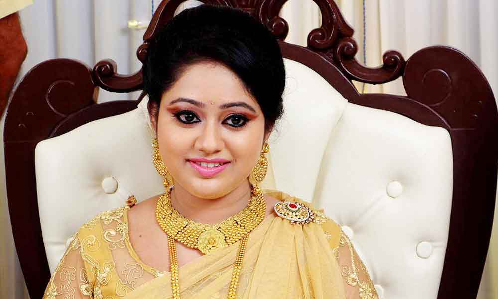 Meghna Vincent (Actress) Profile with Age, Bio, Photos and Videos