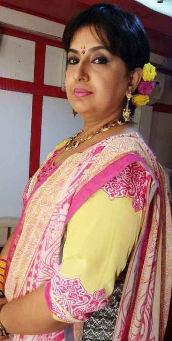 Ambika (Actress) Profile with Age, Bio, Photos, and Videos