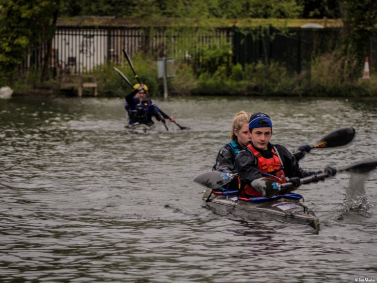 Devizes to Westminster Canoe Race: Powering through Newbury to Westminster.