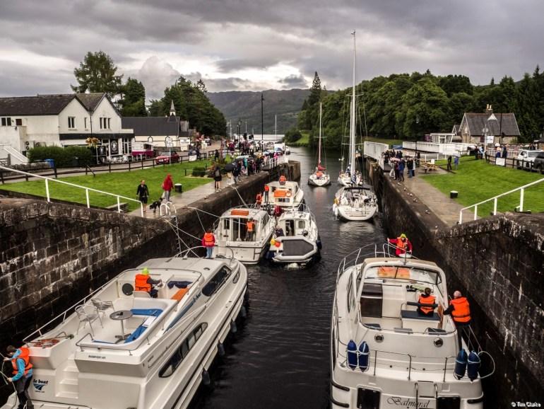 Fort Augustus Locks: Heading off to Loch Ness!