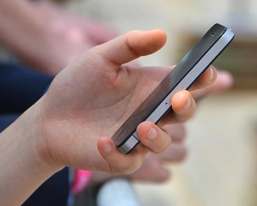 スマートフォンで人気のゲームが気軽にプレイできる