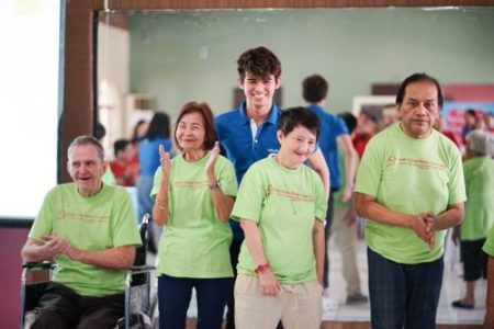 MarNigo Serenades the Elderly During Vivo's Charity Event