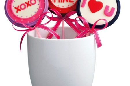 Goldilocks Featured Chocolate Lollipops