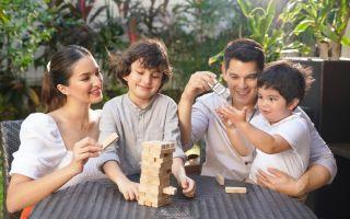 Defensil Brand Ambassadors Richard Gutierrez, Sarah Lahbati and Kids