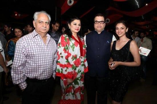 Priyanka Chopra, John Abraham, Deepika Padukone, Saif Ali Khan, Jacqueline Fernandez, Bipasha Basu, Genelia, Riteish & Harman Baweja at Race 2 Screening