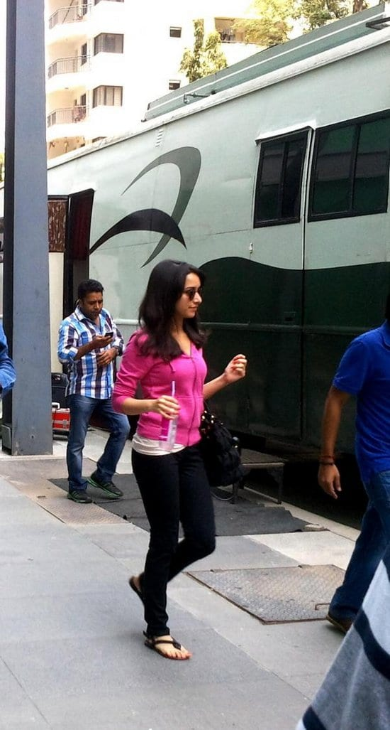 Kareena Kapoor, Shraddha Kapoor and Imran Khan on the sets of Gori Tere Pyaar Mein