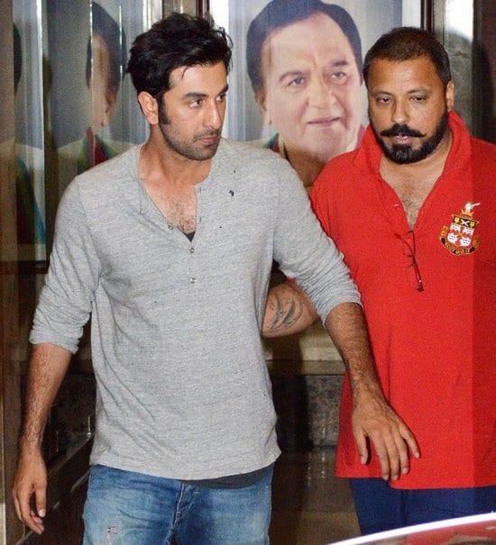Ranbir Kapoor, Farhan Akhtar and Vidya Balan Visit Sanjay Dutt at his House