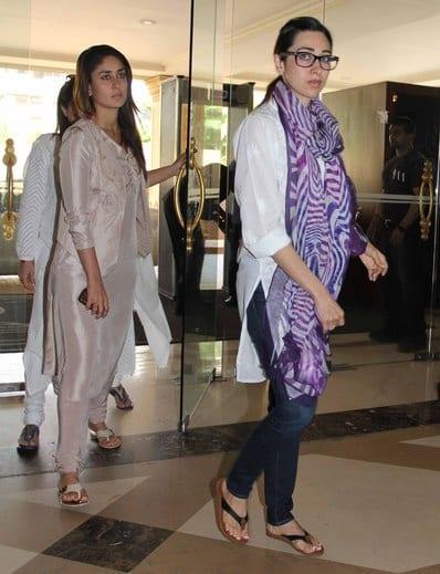 Karishma Kapoor and Kareena Kapoor at Priyanka Chopra's Father's Prayer Meet