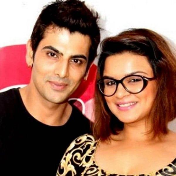 Bollywood Blind Item – September 2017 3