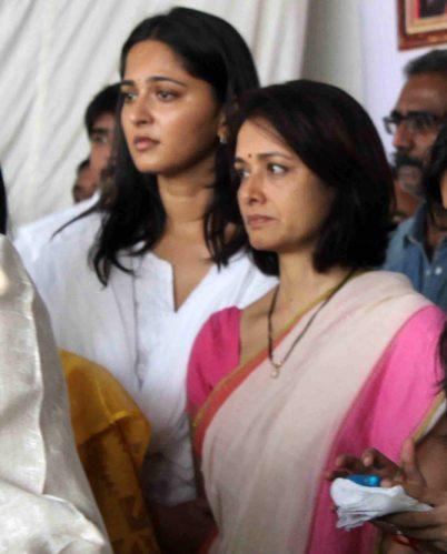 amala-with-anushka-shetty