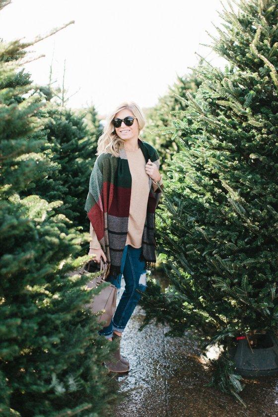 Multicolored Plaid Scarf Christmas Tree Hunt