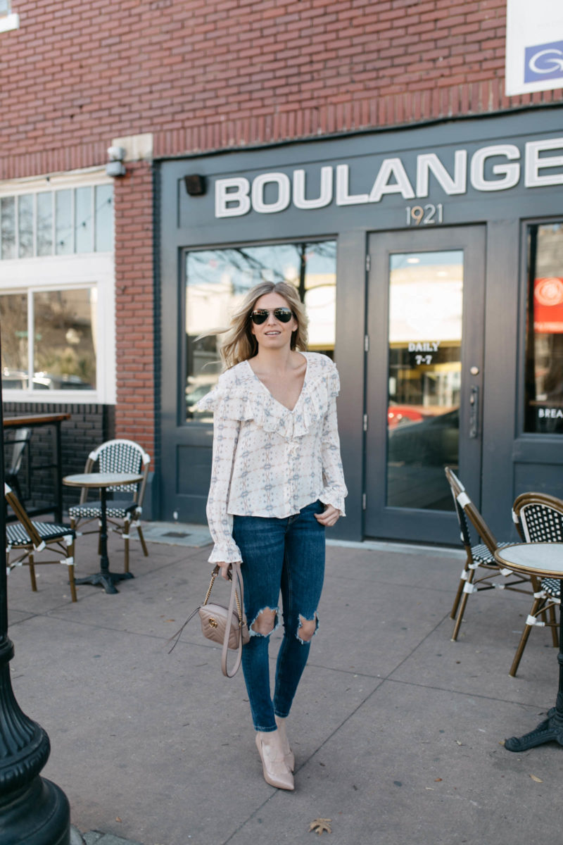white ruffle tops, dallas fashion blogger, dark distressed skinny jeans