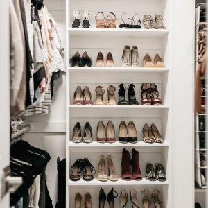 CLOSET ORGANIZATION TIPS - One Small Blonde