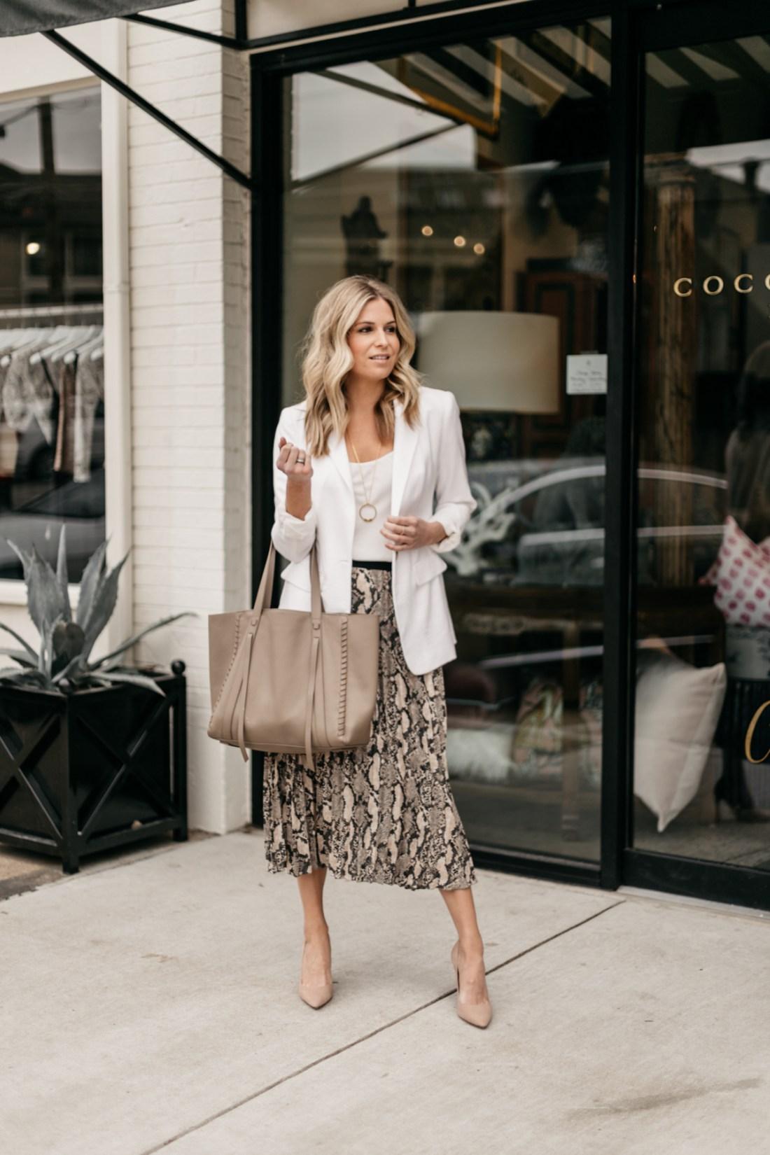 5 WAYS TO WEAR ANIMAL PRINT SKIRTS, brooke burnett, dallas fashion blogger, white oversized blazer