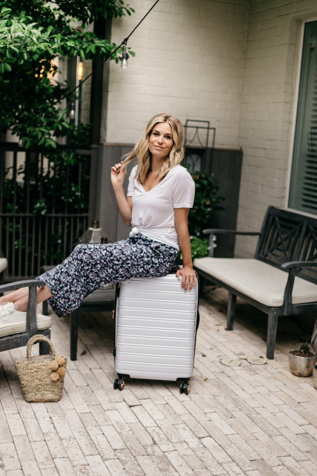 my go-to travel outfit