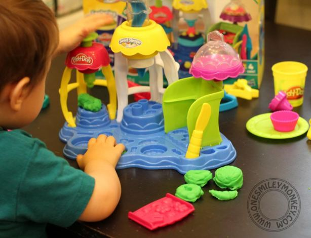 Play-Doh Frosting Fun Bakery Set