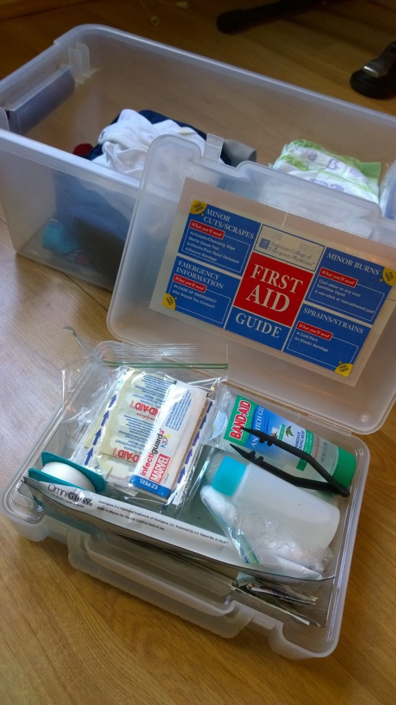 First Aid Kit For Kids   themommyclause.com