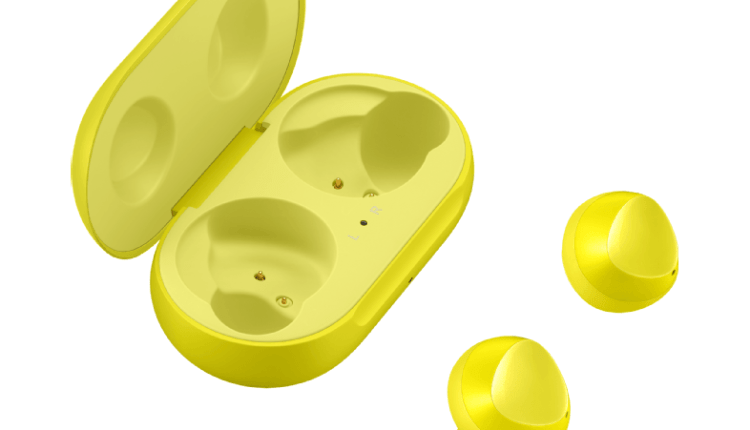 yellow-galaxy-earbuds-5