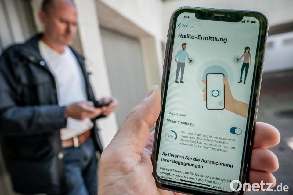 Bundesregierung Corona Warn App Unterstutzt Uns Im Kampf Gegen