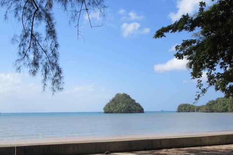 Koh Yao Noi Beach, Thailand, Thai islands, limestome cliffs