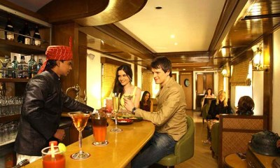 maharajas-express-luxury-train-safari-lounge-bar
