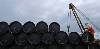 why india is not stocking crude oil