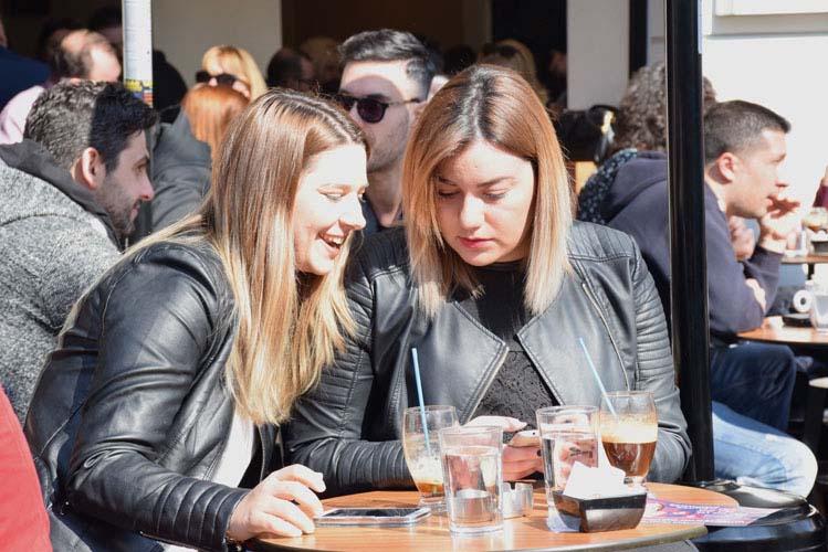 Σαββατιάτικη λιακάδα, όλη η Λάρισα βγήκε για καφέ! - Δείτε πλούσιο φωτορεπορτάζ (100 φωτό)